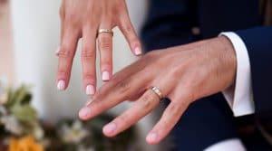 Alianzas de boda diseñadas de manera exclusiva para parejas de novios