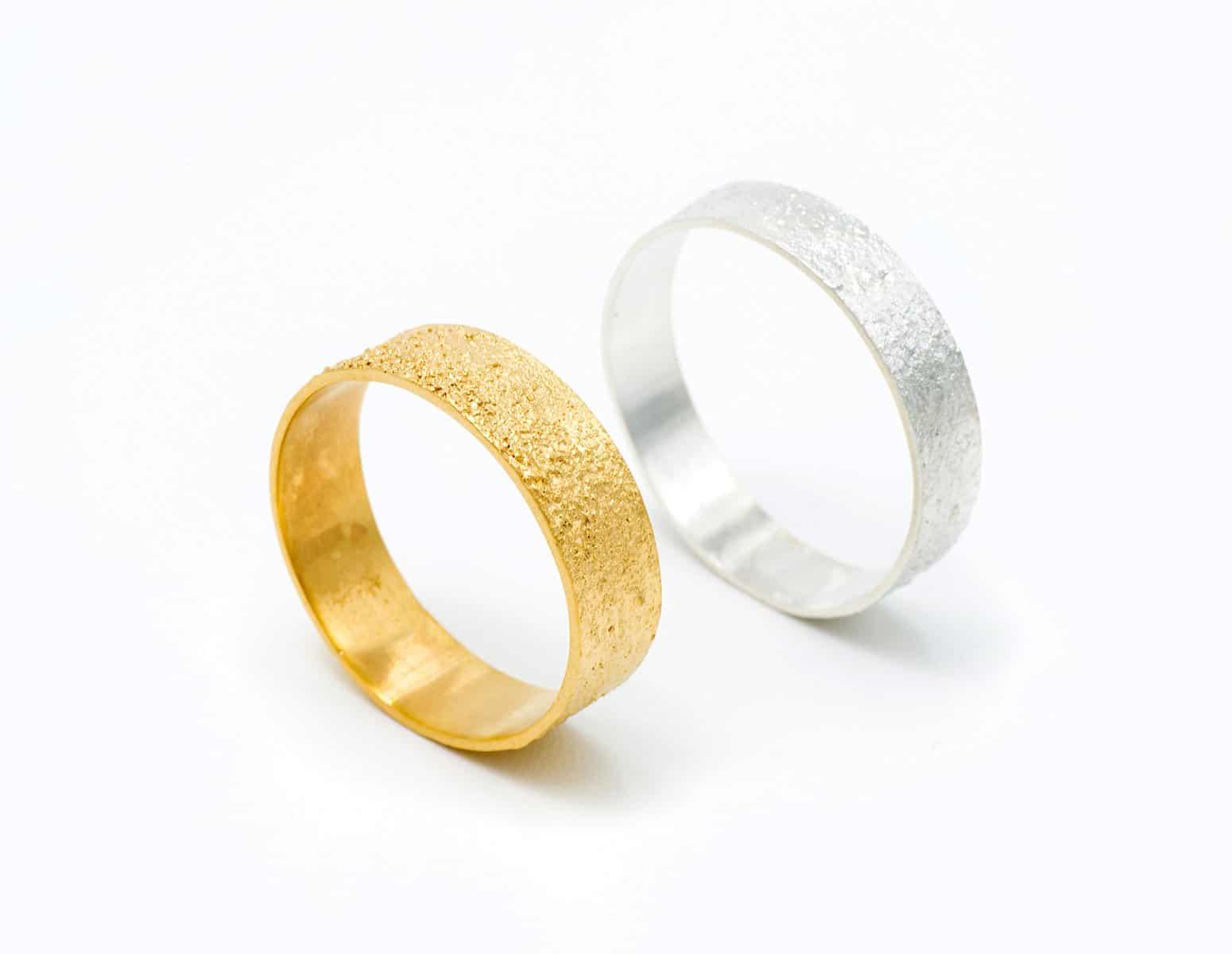 Anillos de compromiso artesanales en oro justo Fairmined