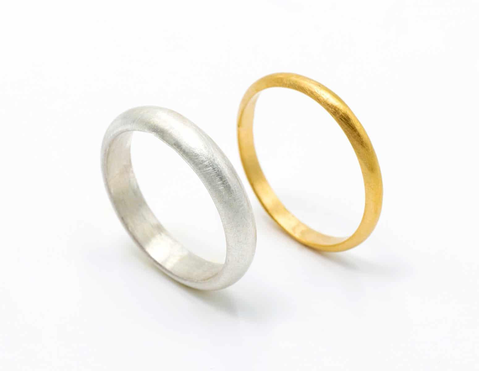 Alianzas de boda con acabado satinado